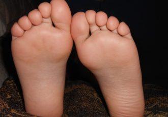 足から納豆の臭いがするときの対処法を徹底紹介