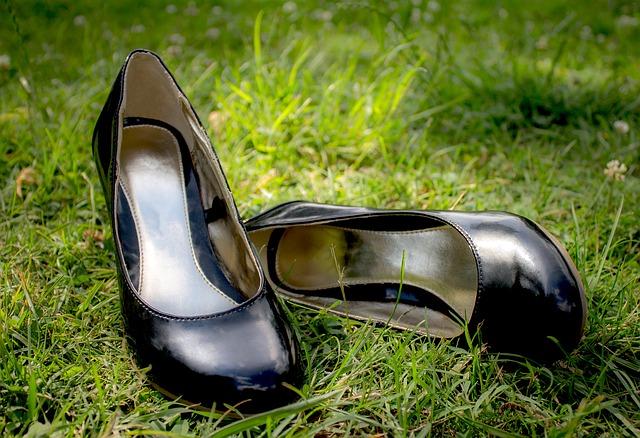 臭いのついた靴は捨てて新しい靴にすることも考えて