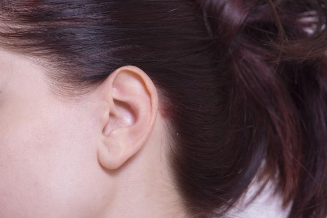 耳が湿っている場合、飴耳の可能性も