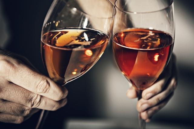 アルコールは加齢臭の原因になる