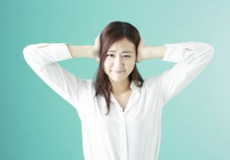 イヤホンが臭い!イヤホンで耳が臭くなる原因と対策方法