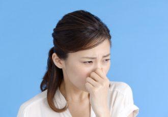 生臭い息の原因とは?正しい対策で口臭予防を